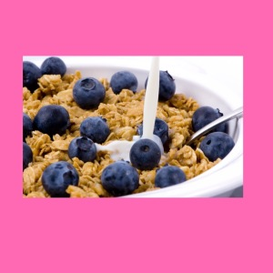 Blueberries add antioxidants and fiber to your breakfast cereal.